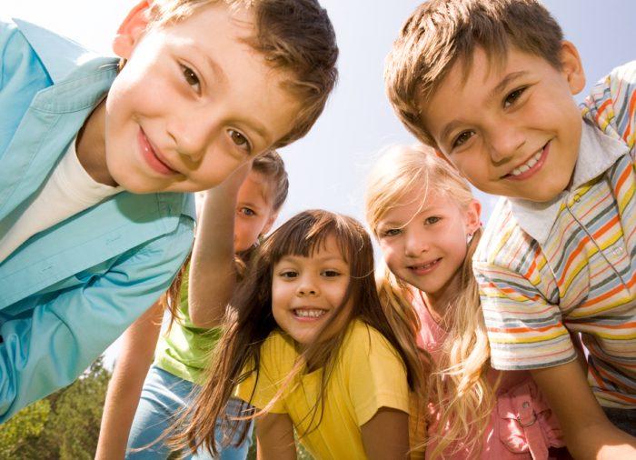 Consejos sanitarios y de seguridad para viajar con niños