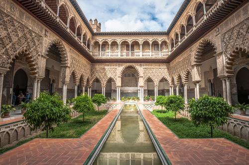Sevilla se viste de luces