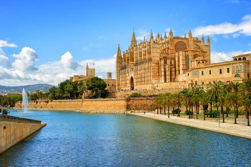 5 lugares obligados para veranear en España