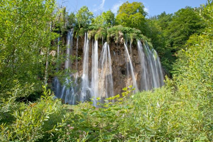 Cataratas en los lagos de Plitvice, Croacia