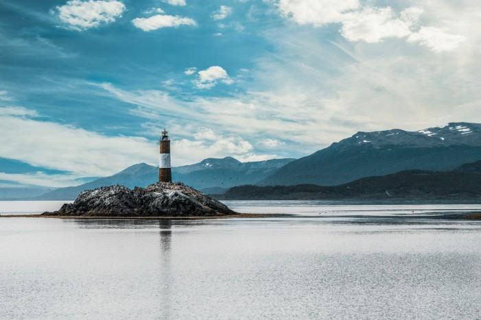 Faro del fin del mundo en Ushuaia, Argentina.