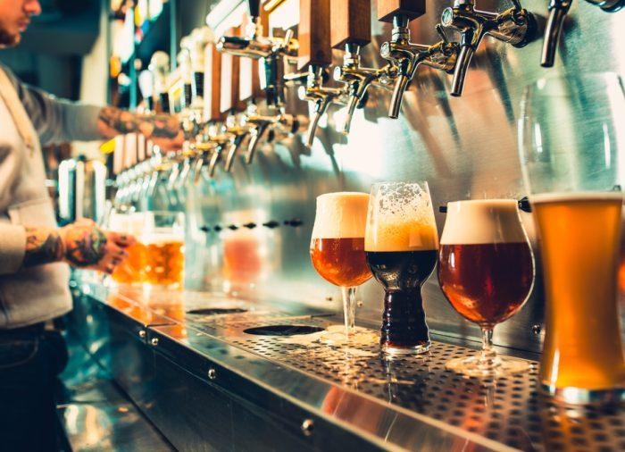 Celebra el Día Mundial de la Cerveza en una ciudad cervecera