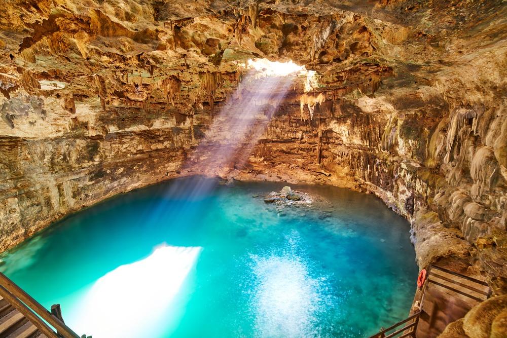 Piscina natural de Cenote Samula en Yucatán