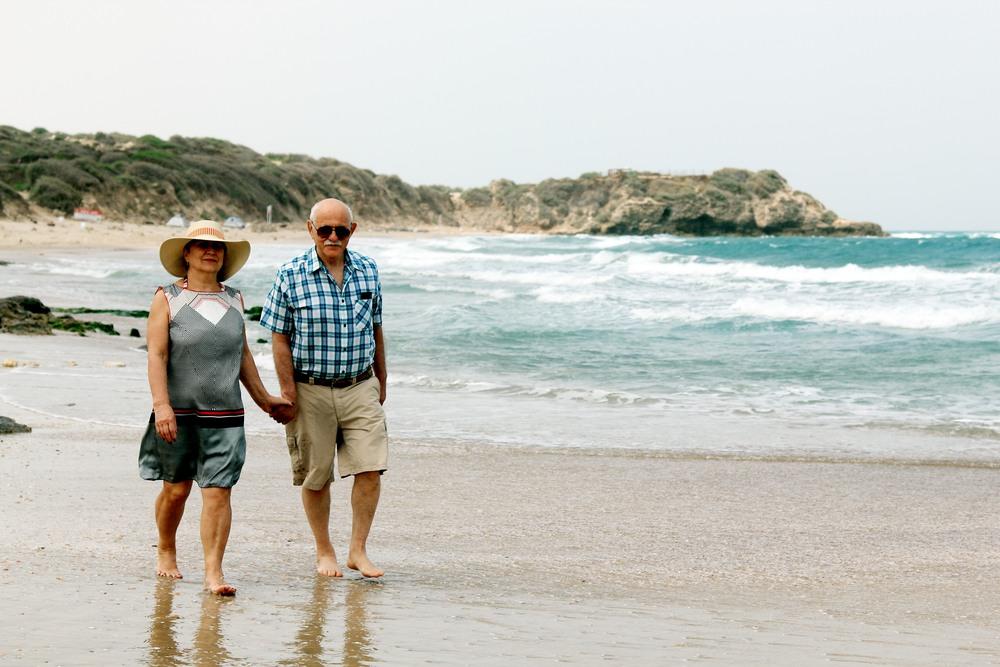 Paseando por una playa de Grecia