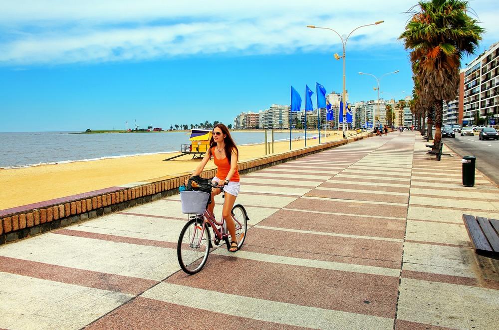 Playa de Pocitos en Montevideo
