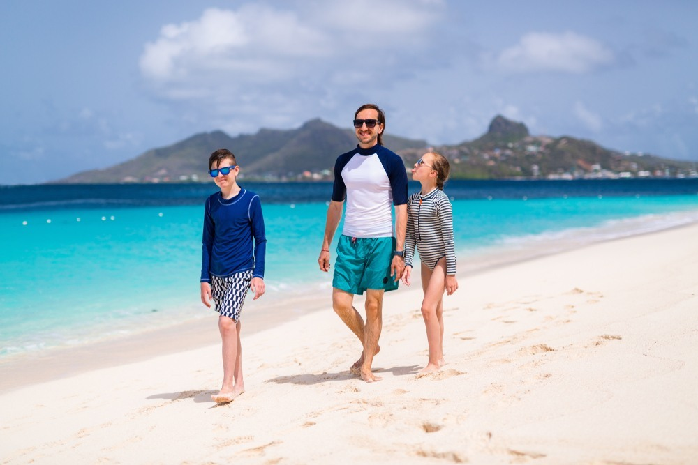 Familia en playa de Hawai