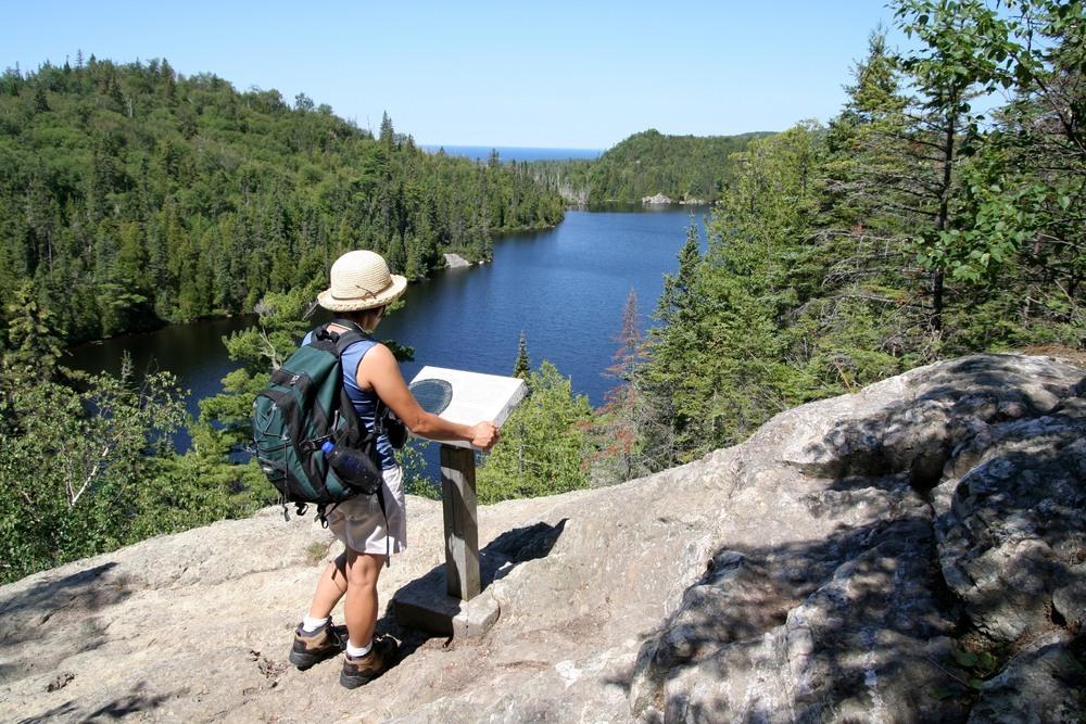 Excursionista en el Lago Superior