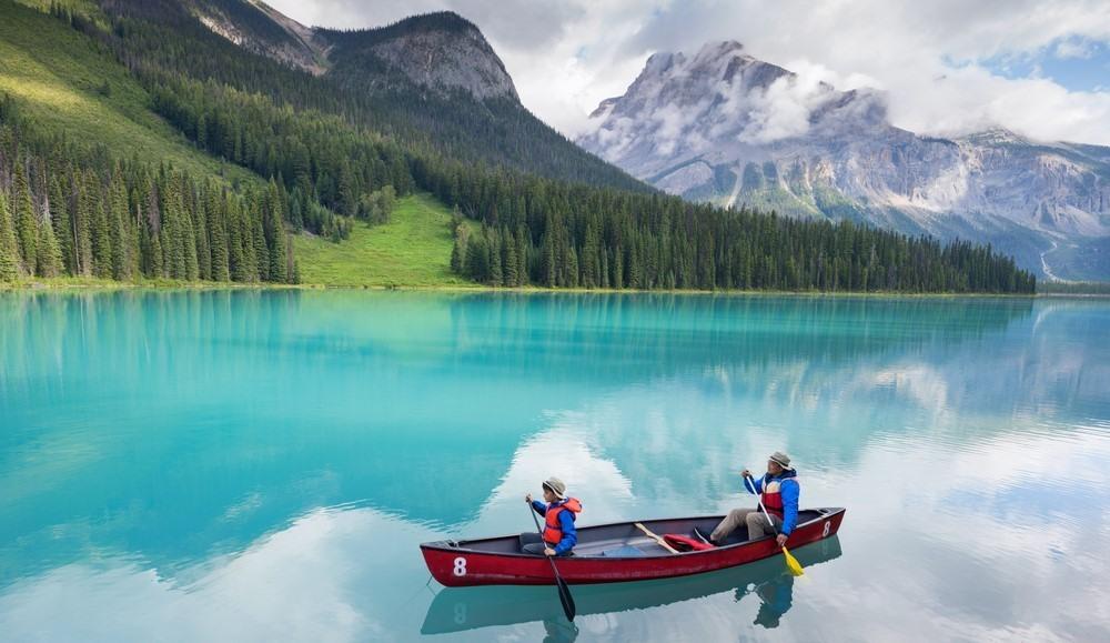 Paseo en kayak por el Lago Esmeralda