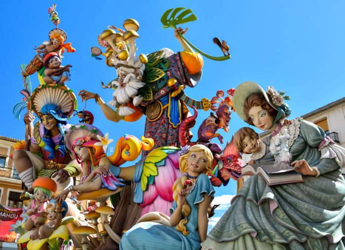 Disfruta del mejor viaje a las Fallas de Valencia