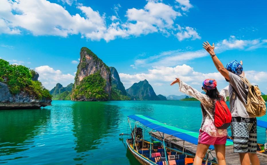 Pareja disfrutando por Tailandia