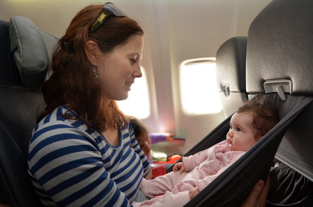 Viaje en avión con un bebé