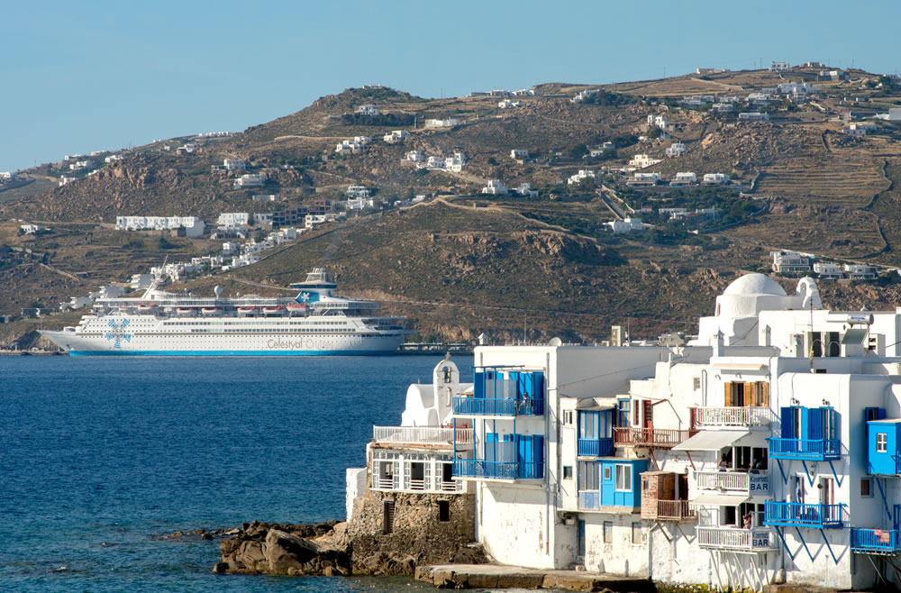 El barco que más Islas Griegas visita en menos tiempo