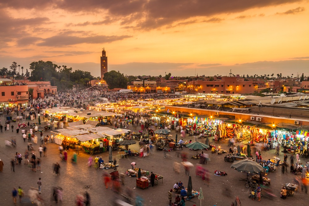 La bulliciosa plaza de Jamaa El Fna, el corazón de la Medina de Marrakech