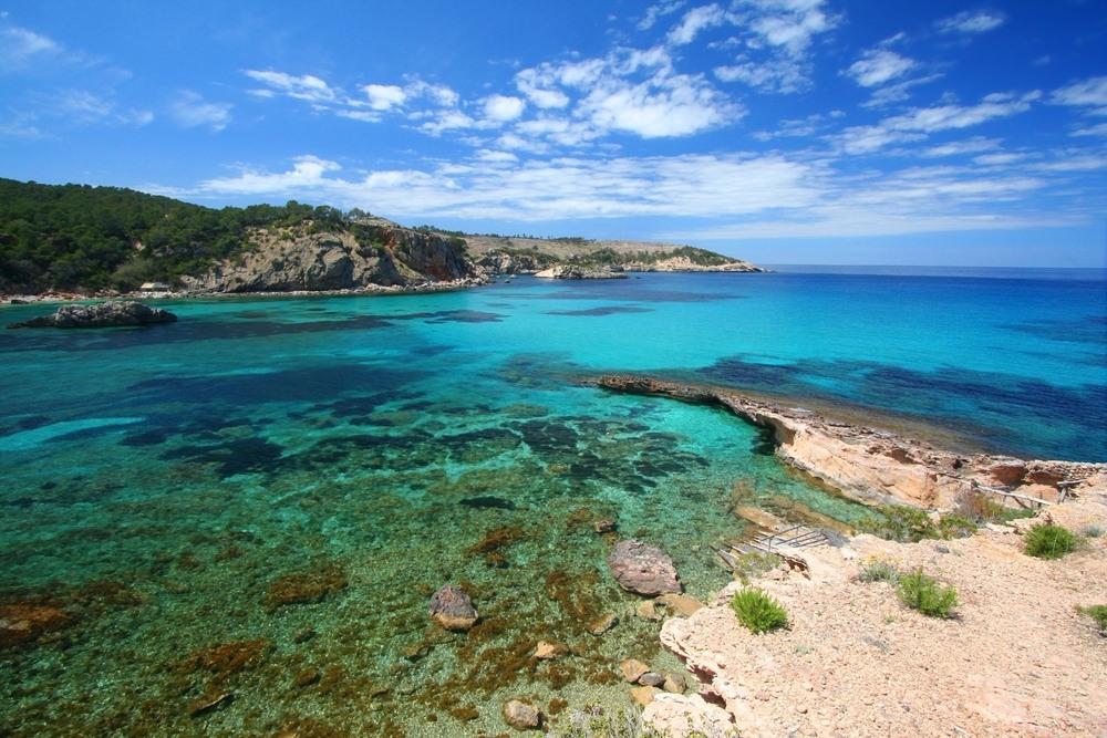 El paraíso turquesa de Portinatx, costa de Ibiza