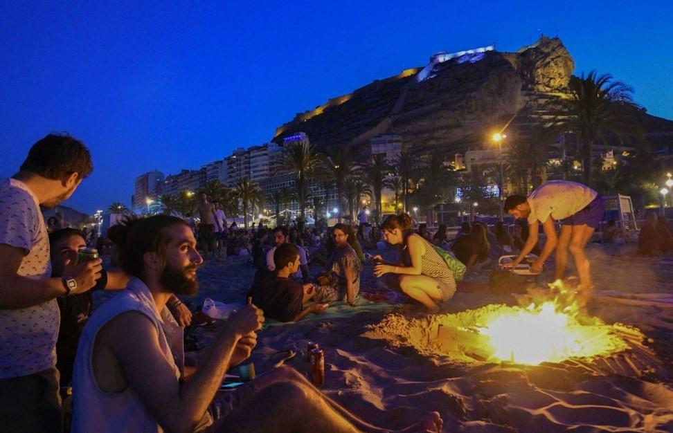 Celebración en la Playa del Postiguet