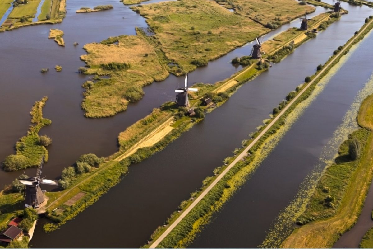 Dos familias españolas se lanzan a la aventura de descubrir Holanda con Logitravel
