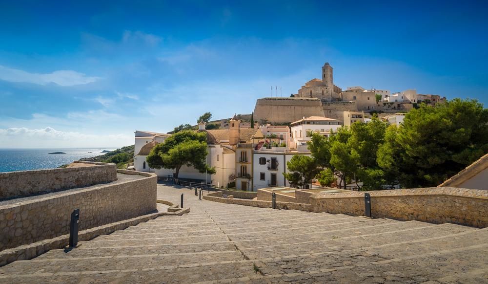 Dalt Vila y la Catedral de Ibiza.