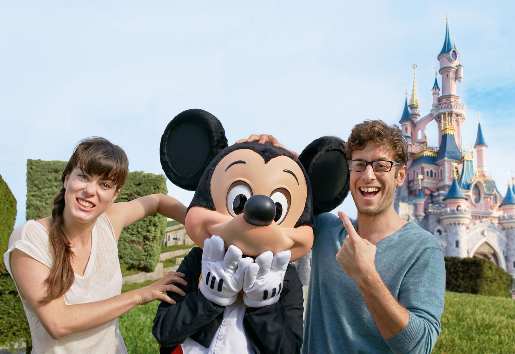 Pareja en Disneyland París