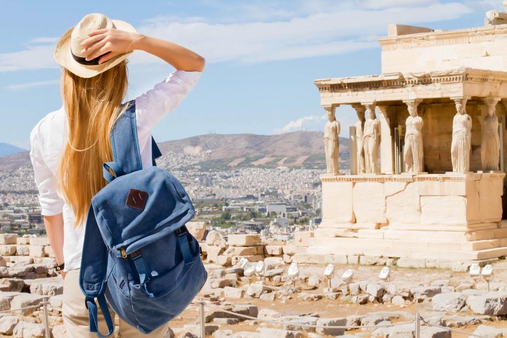 Turista disfrutando de Atenas