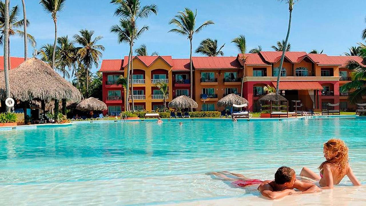Pareja en un hotel en Punta Cana