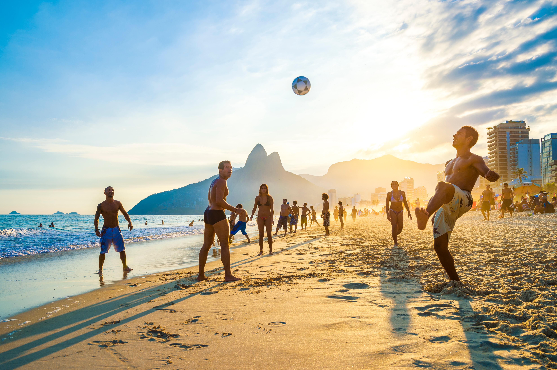 Grupo disfrutando en Ipanema Beach (Río de Janeiro)