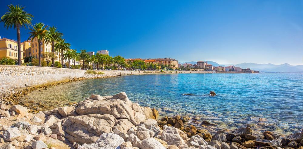 Bahía de Ajaccio en la Isla francesa de Corcega