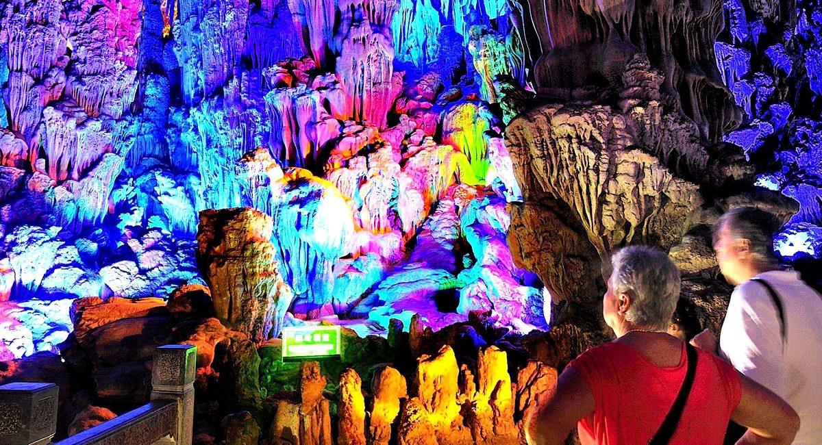 Planifica tus viajes visitando las cuevas más bonitas del mundo