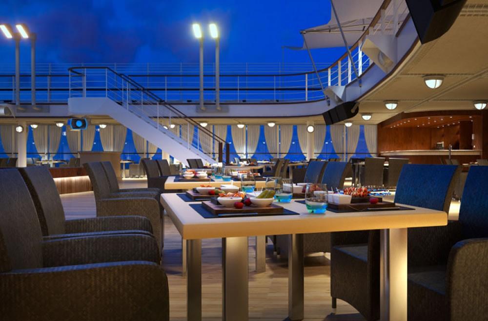 Exclusiva terraza para disfrutar de una cena en el Silver Muse de Silversea