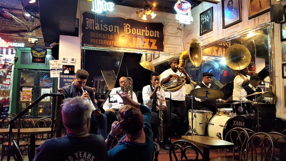 Banda de jazz en el Maison Bourbon