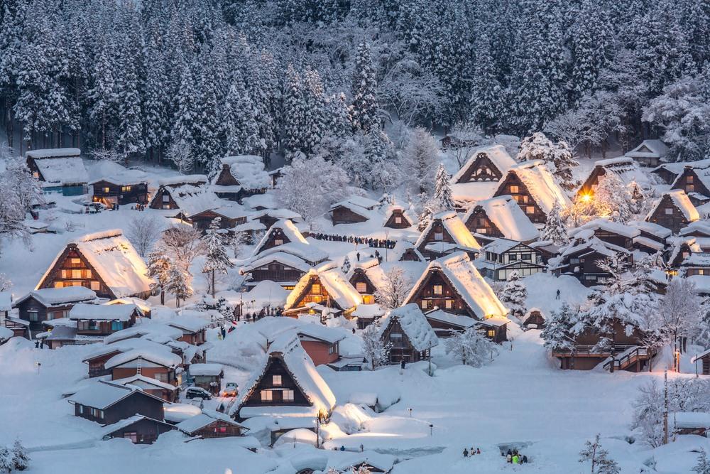 Encendido de Shirakawago, típico pueblo Japonés declarado Patrimonio de la Humanidad