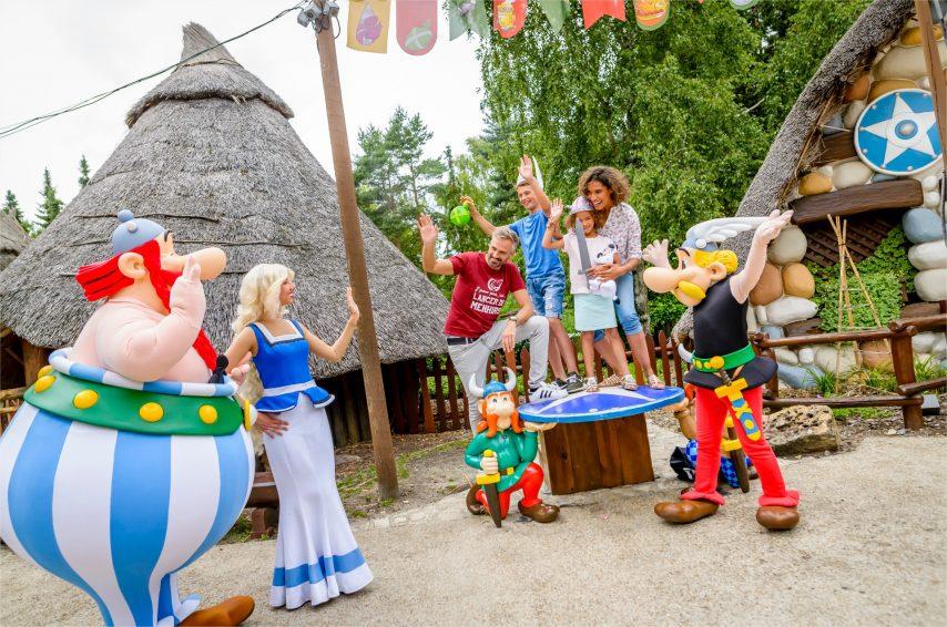 Familia disfrutando en el Parc Asterix