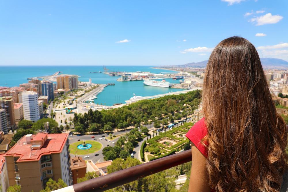 Vista del puerto de Málaga, una de las escalas del itinerario.