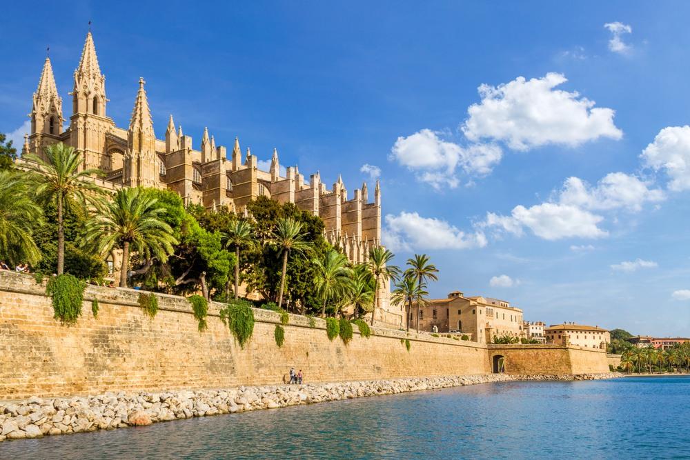 Algunos de los barcos de Aida tienen base en la isla de Palma de Mallorca.
