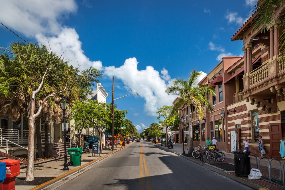 Típicas calles en Key West, Florida