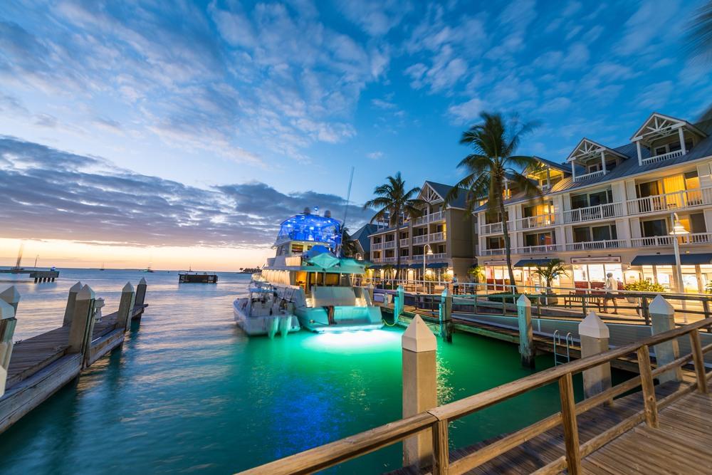 Puerto de Key West por la noche, Florida
