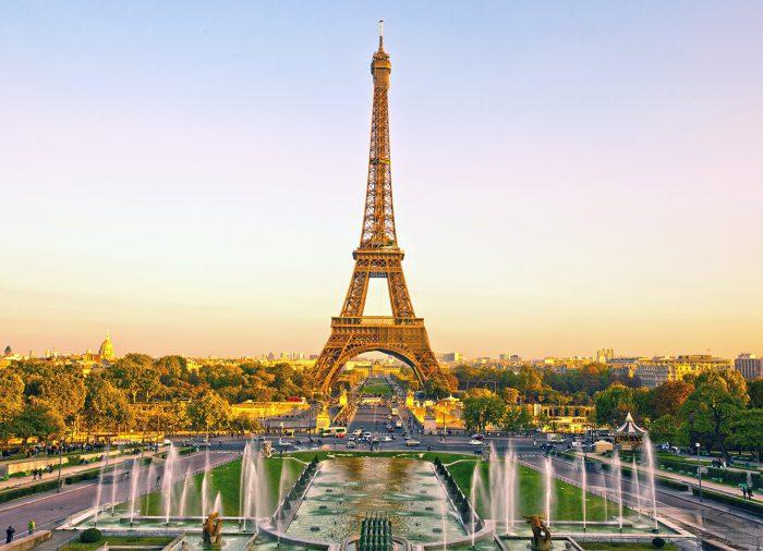 Disneyland Paris y la Torre Eiffel abren sus puertas
