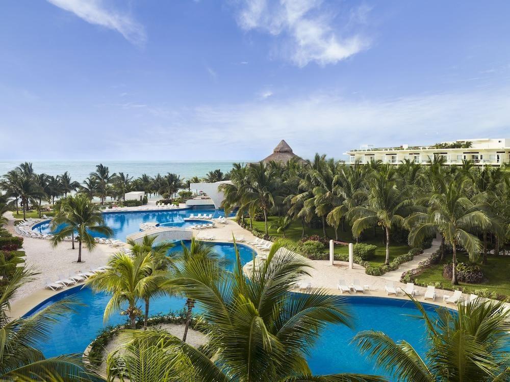 Azul Beach Resort Riviera Cancún by Karisma