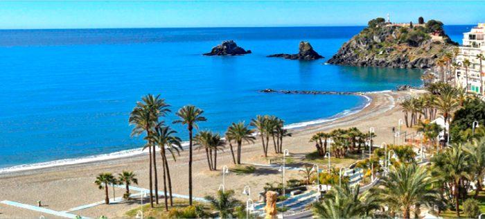 Almuñécar-La Herradura, la esencia de la Costa Tropical andaluza